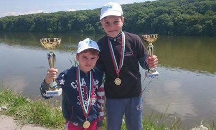 Братята Ивайло и Марио спечелиха турнир по риболов в Русе.